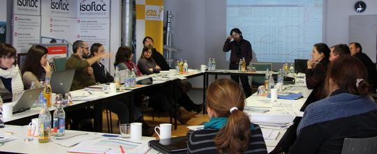 Projektteilnehmer SEAP_Alps bei der Diskussion | Bild EWO
