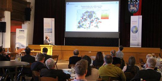 Hochkarätige Referenten auf dem 4. Bioenergietag im Oberland. Unter anderem präsentiert Prof. Dr. Drösler, Ko-Autor des 4. Sachstandsbericht zum Klimawandel aktuelle Erkenntnisse zu den Auswirkungen des Klimawandels auf unsere Region.
