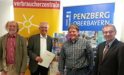 v.l.n.r Karl Müller (Verbraucherzentrale Bayern), Hans Mummert (Bürgermeister Stadt Penzberg), Karl Schwarzbeck (Energieberater), Rolf Beuting (Wirtschaftsförderung Penzberg)