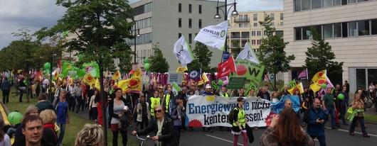 Ca. 20.000 Menschen demonstrierten in Berlin für die Energiewende in Deutschland
