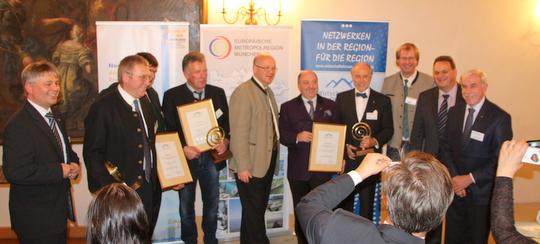 Die Preisträger der 6. Nachhaltigkeitsklausur beim Gruppenfoto.