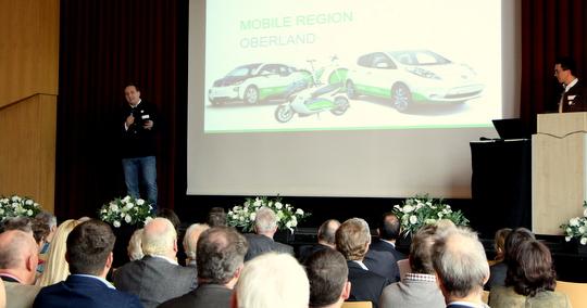 Christoph Ebert stellt das Konzept MORE-Oberland vor (Foto: EWO)